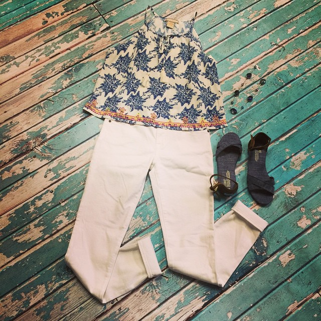 Obsessing over this new white and blue combo!