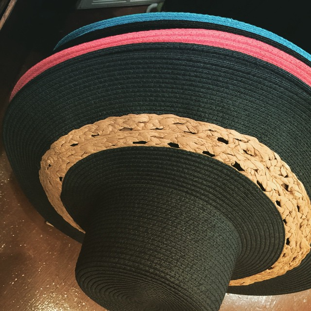 Our new floppy hats also come in black, coral, grey & blue!