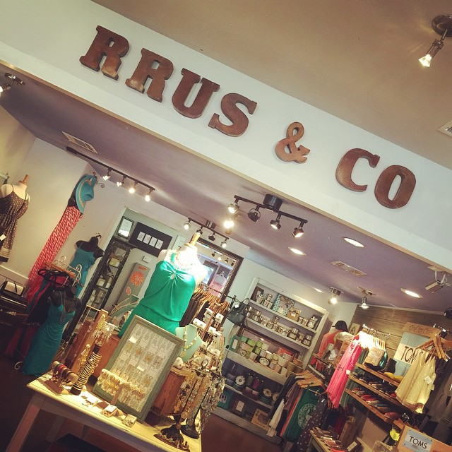 Loving our new rustic RRUS&Co. letters now complimenting our boutique ?